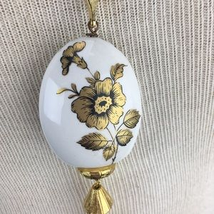 Vintage Jewelry - Vintage Porcelain Gold Rose Tassel Necklace